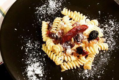 pâtes au citron tomates confites et olives